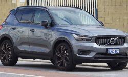 1200px-2018_Volvo_XC40_T5_R-Design_AWD_wagon_(2018-08-06)_01
