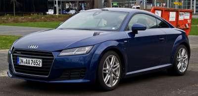 Audi_TT_Coupé_2.0_TFSI_quattro_S-line_(8S)_–_Frontansicht,_3._April_2015,_Düsseldorf